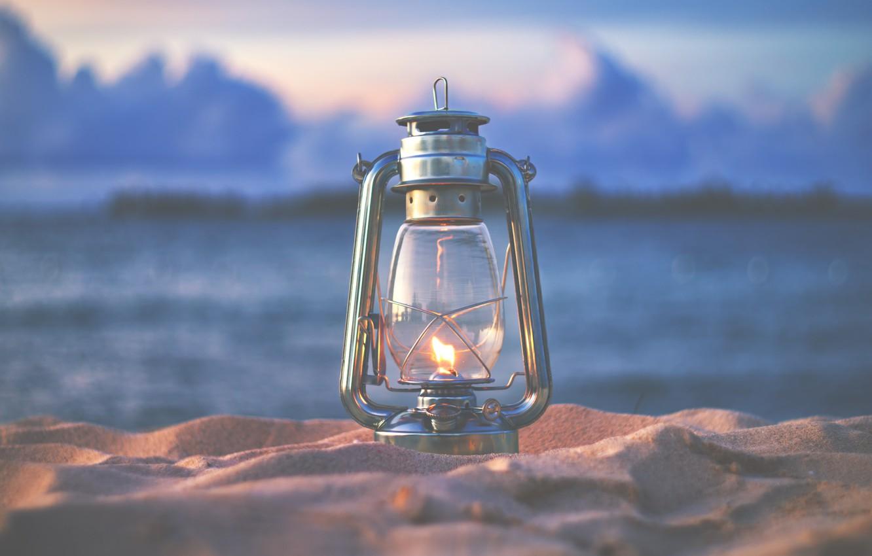 lampa-fonar-ogon-pesok-priroda-vecher.jpg